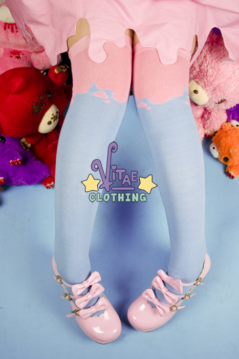 socks_blue_pink_web_edit